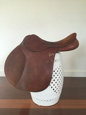 Pessoa Professional Jumping Saddle 17 inch Tan Leather