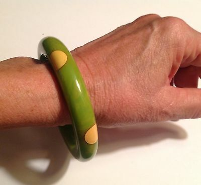 Vintage original 1940's 6 dot Bakelite bangle bracelet - lime green & cream