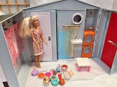 2005 Mattel Barbie Totally Real House Playset Doll House Furniture Accessories