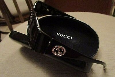 Vintage Ladies Gucci Black Sunglasses  Gg2526/s   In Case   Italy