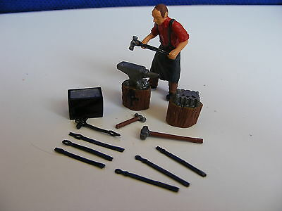 Blacksmith, Anvil and Tools - 1:43 O Gauge Painted Metal Model