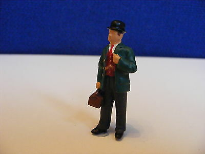 Doctor with Bag and Bowler Hat - 1:43 O Gauge Painted Metal Model