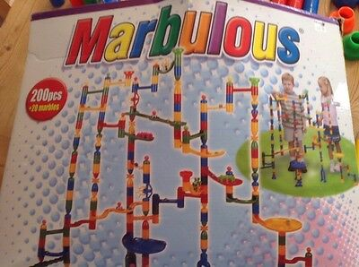 Marbulous Marble Run 200 Pieces + 17 Marbles