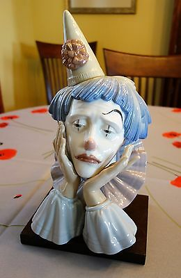 Lladro -- Jester With Base -- 5129
