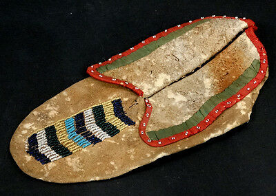 1800's Antique NATIVE AMERICAN INDIAN Ribbon & BEADED Leather HIDE MOCCASIN