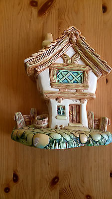 Pendelfin hand painted stonecraft Cobble Cottage