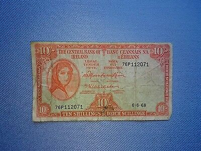 Vintage,1968 The Central Bank Of Ireland.(10 Shillings Banknote).����.