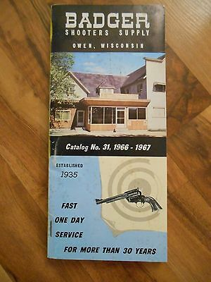 Old Vintage 1966 - 1967 Badgers Shooters Manual Book Owen Wisconsin Catalog 31