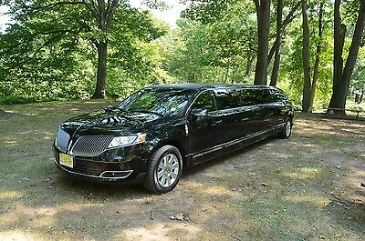2013 Lincoln MKT EcoBoost Sport Utility 4-Door Lincoln MKT Town Car Limousine