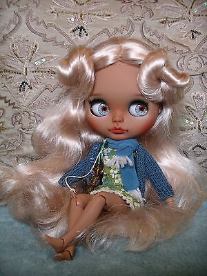 Adorable tanned Honey Blonde Artist Custom Blythe doll on fortune body + clothes