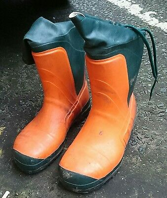 chainsaw boots size 10