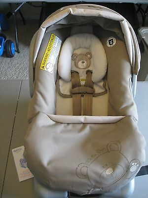 Graco SnugRide Classic Connect 30 Infant Car Seat B is for Bear