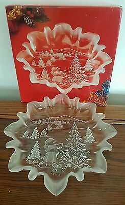 *NIB Mikasa Christmas Story Glass Holiday Plate Serving Cookie Tray 9 3/4 Round*