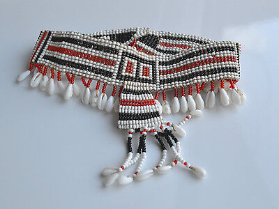 VINTAGE tribal SOUTHWEST NECKLACE HANDMADE GLASS SEEDS & BABY SHELL white red