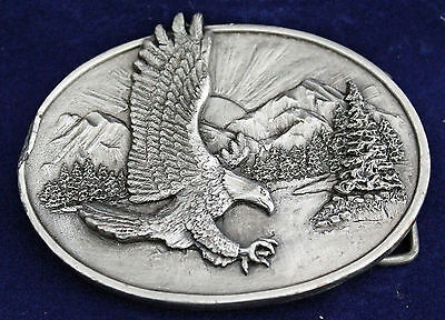 Belt Buckle Siskiyou The Eagle Pewter 1982 O-10 Nature Scene Vintage