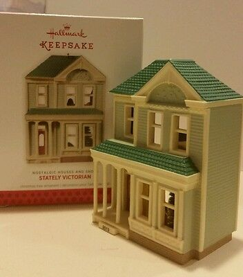 Christmas 2013 Hallmark STATELY VICTORIAN: Nostalgic Houses & Shops: Ornament