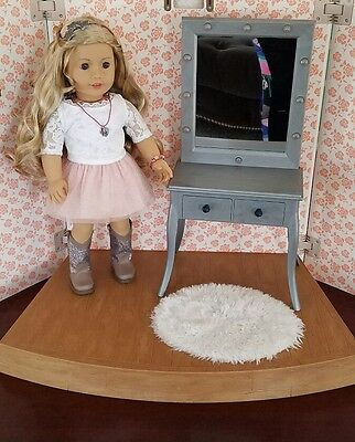 American Girl Tenney Grant Rug Fluffy Only from Stage Dressing Room NEW