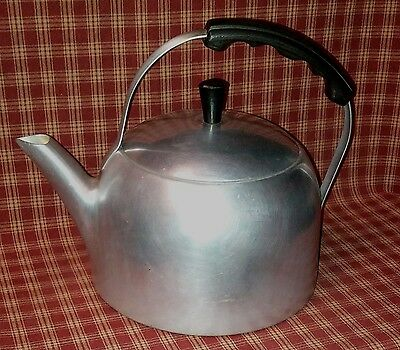 Vintage 1950's Wear-Ever Aluminum Tea Kettle W/lid #3054- Very Nice Condition