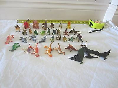31 Small dinosaurs Plastic Toy Figurines