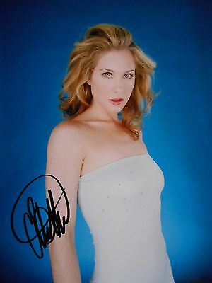 Christina Applegate  8x10 auto photo in Excellent Condition