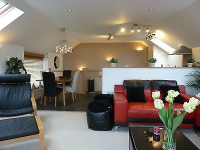 Holiday. Cottage. Wales. March 10th Fab view, Location, modern. Dogs  5*reviews