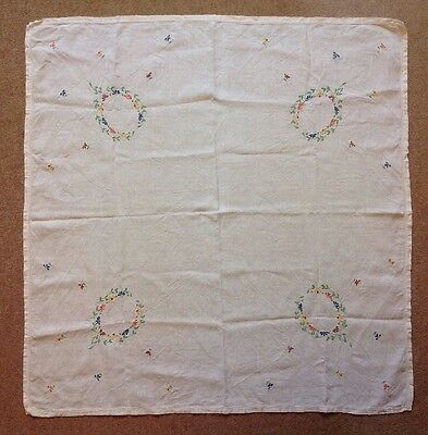 Vintage Linen Embroidered Tablecloth Pretty Flowers