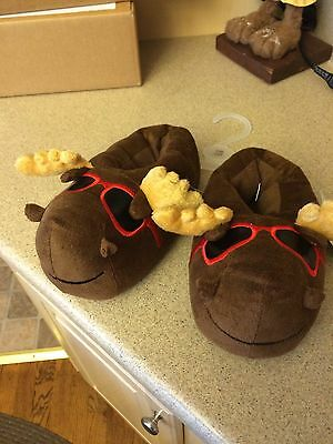 Youth Moose With Shades Slippers Size Medium/Large (2/3)