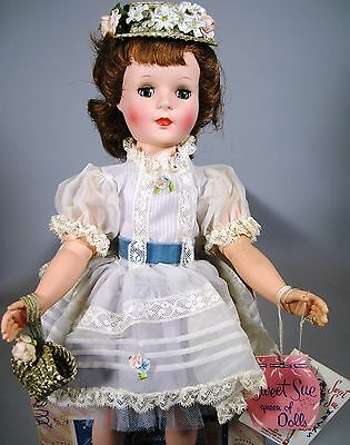 Wow! Minty Factory Original American Character Sweet Sue w Box, 2 Hangtags