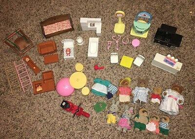 Maple Town Sylvanian Calico Critter Huge Lot 50+ PCS Animals Clothes Furniture