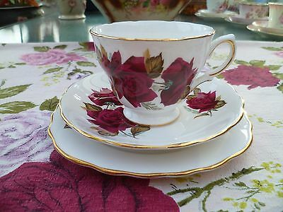 Lovely Vintage Royal Vale China Trio Tea Cup Saucer Plate Red Roses 7978