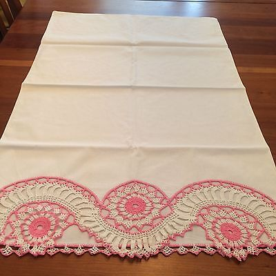 Vtg pillow cases 2 hand crochet pink white  pinwheel inset lace  cottage chic