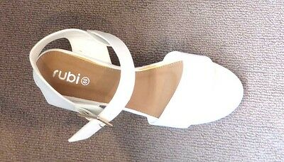 As New Rubi Shoes Wedges Size 39 * White * Never Worn