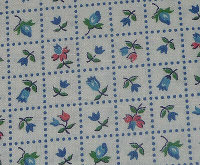 "Vintage Cotton Fabric flower in square blue 35w 108"" Material for Quilting dolls"