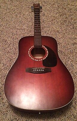 Art & Lutherie Acoustic Guitar Spruce Burgundy Made In Canada