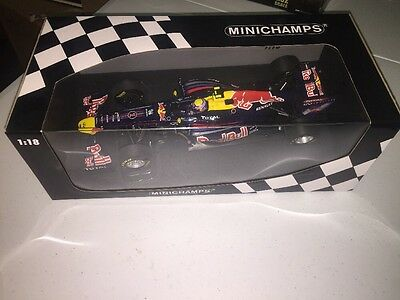 Minichamps 1/18 Scale 110 110002 Red Bull Racing Renault RB7 Webber 2011