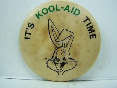 """Pin back badge vintage 1970's """"It's Kool-Aid time"""" Bugs Bunny drink  736"""
