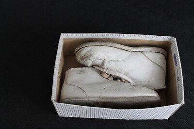 vintage Pussyfoots white leather kids shoes original box