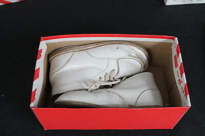 vintage Youmg Canadian white leather kids shoes original red striped box