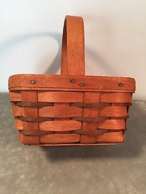 EUC Longaberger 1989 Berry Basket with contrast weaving