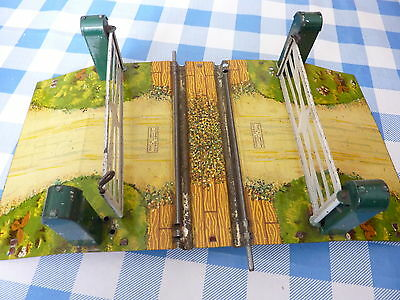 """VINTAGE HORNBY """"O"""" MODEL No.1 """" SINGLE TRACK"""" LEVEL CROSSING BOXED"""