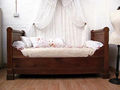 CHARMING & RARE ANTIQUE FRENCH SOLID WALNUT STANDARD SINGLE DAY BED - c1880