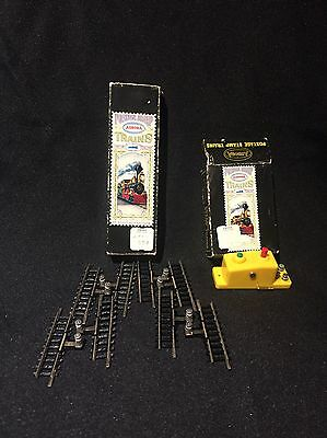 N Scale Aurora Postage Stamp Trains Track And Control Button Unused In Box