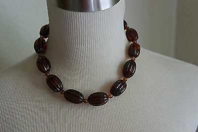 """Exquisite Brown Ribbed Chunky Lucite Bead Choker Necklace 20.5"""""""