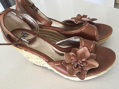 Sofft Women US 8.5M Brown Wedge Sandal Shoe - Leather Upper