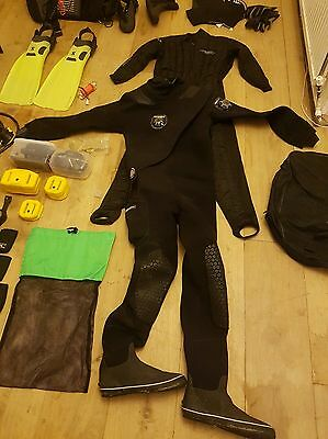 full set of diving equipment  (all within test )