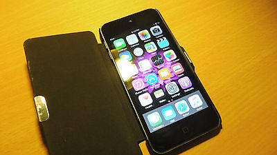 APPLE iPOD Touch 5th generation 16GB Black/Grey with Camera.