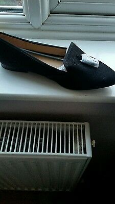 Brand new ladies size 7 wide fitting shoes by heavenly soles