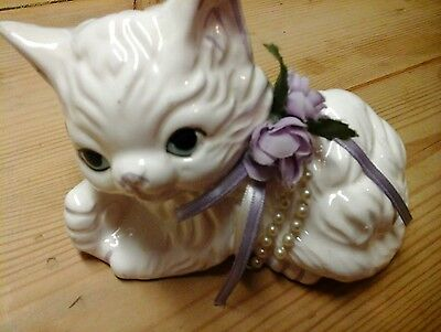 Cute Vintage China Kitten or Cat in white