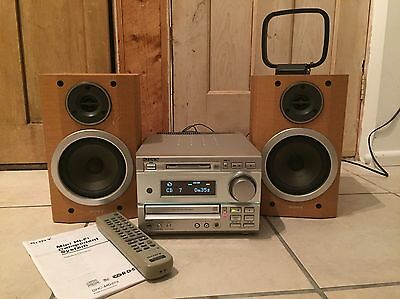 Sony HCD-MD373 Micro System - MiniDisc-CD Player-AM/FM Tuner - Remote and Manual
