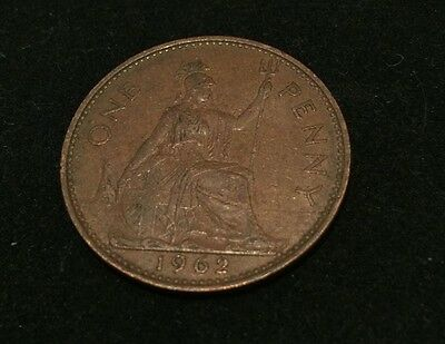 1962 One Penny Coin - Old GB British -  Elizabeth II Queen Collectable 1p